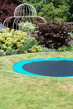 peut-on enterrer un trampoline?